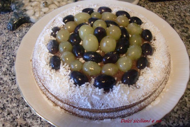 Torta al mascarpone con uva