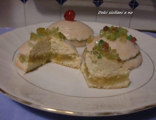 Biscotti di San Martino con confettura , Nutella e glassa