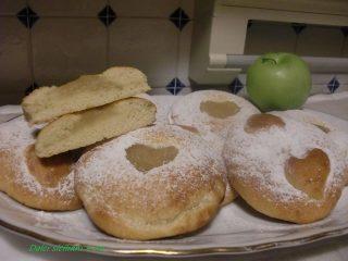 Biscotti con composta di mele