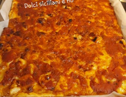 Pizza ai tre formaggi