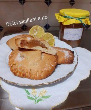 Ravioli dolci con marmellata di limoni